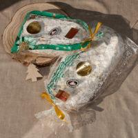 Handgemachte Mohnstollen verpackt